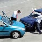 Kolizja samochodem służbowym z winy pracownika – jak wygląda odpowiedzialność?